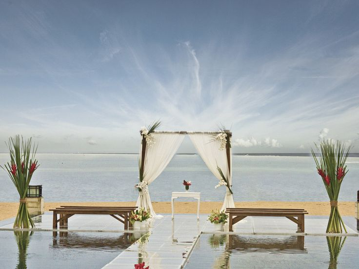 The possibilities are almost endless for a gorgeous wedding at Mantra Sakala in Indonesia - settings include the beach, ballroom, an intimate villa, a unique Kul Kul tower, indoors or outdoors at Sakala Bali Restaurant, poolside or on a floating stage above the pools. More at: www.venuerific.com