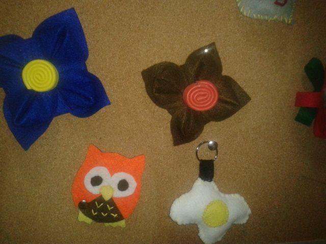 ¡Todo es posible con fieltro! Broches, llaveros ... en Volcubo http://www.pozueloalcubo.es/