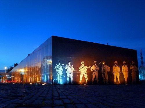 Monumento a los héroes caidos