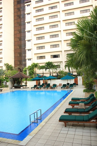 Swimming Pool - Hotel Aryaduta jakarta, with pool cafe, jacuzzi and for the  room