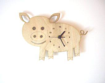 "Reloj de pared de madera - ""Cerdo del bebé"""