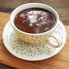 Poctivá horká čokoláda.