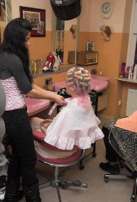 141 best images about salons on pinterest barber chair for Actual beauty salon