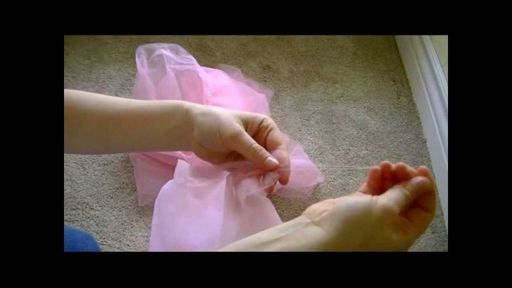 This YouTube video is SO EASY to understand!  Probably the best tutorial I've seen so far!!!  This is a great way to save yourself some money and make a really cute dust ruffle! This tutorial will show you the easy steps to make your own tulle dust ruffle o...