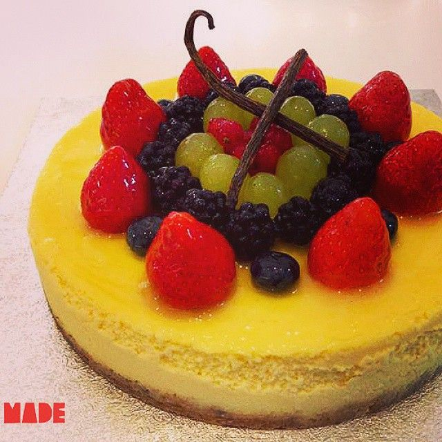 London cheesecake with fruit. #madecreativebakery #madebakery #cheesecake #fruit #bakery