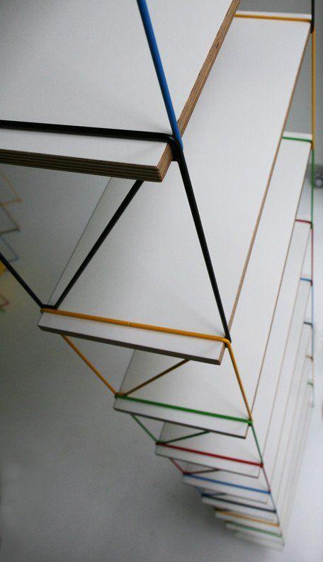 Colorpop hylde fra Kwikshop hos areastore.dk Colourpop hylderne fra Kwikshop kan hægtes på hinanden, så de danner en reol, eller hænges individuelt.nb: den gule er solgul ÆNDRING AF PRODUKTION: af logistiske årsager er produktionen ændret. Allehylderer nuHVIDE PÅ BEGGE SIDER. mål: B60,5 x D20 x H30cm NB: på gavlene fremstår et lille areal uden lakering- dette er ikke en fejl, men er resultat af fremgangsmåden i produktionen. Dette område kan ikke ses når hylden er…