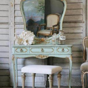 Vintage White Bedroom Vanity