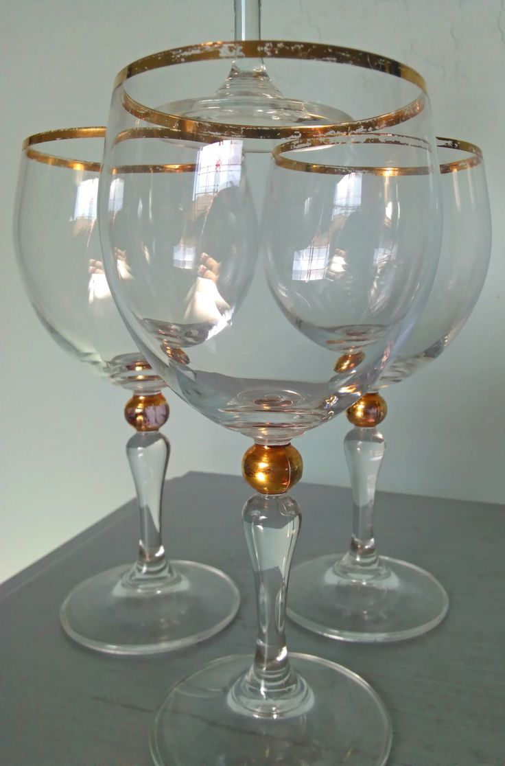 vintage wine glasses gilded gold ball stem set of four. Black Bedroom Furniture Sets. Home Design Ideas