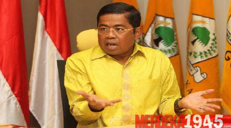 Sekretaris Jenderal DPP Golkar Idrus Marham menegaskan partainya tetap solid meski sang Ketua Umum Setya Novanto diseret-seret dalam kasus e-KTP. Dia memi