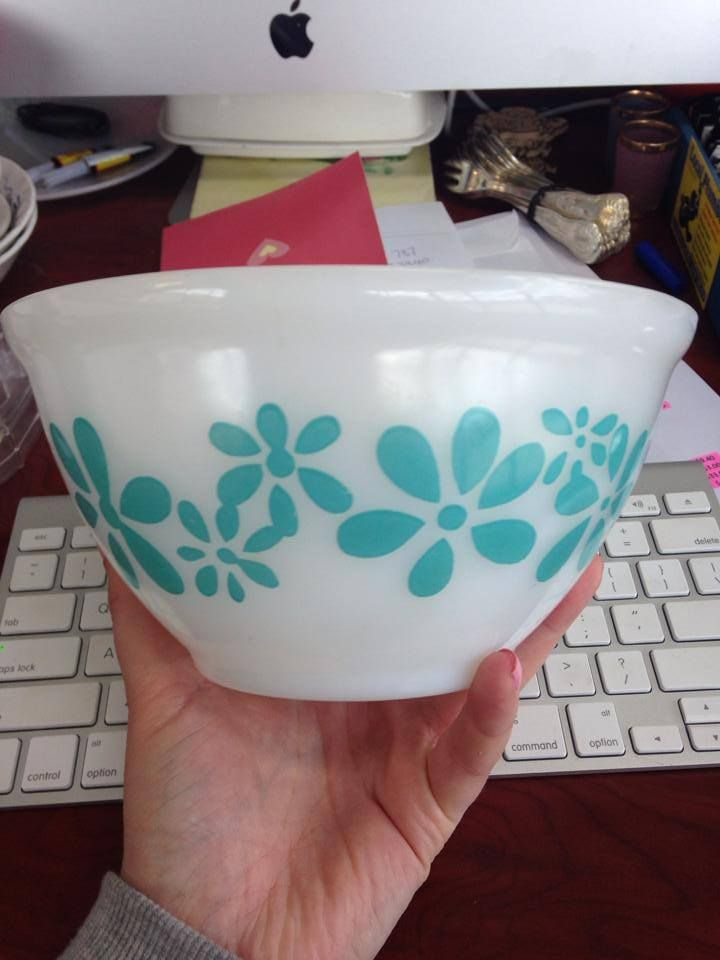 Pyrex with turquoise flowers on white mixing bowl... how amazing is this piece?!?