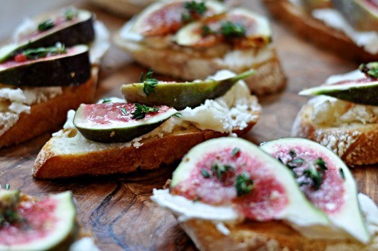 Bruschetta s kozím sýrem a čerstvými fíky