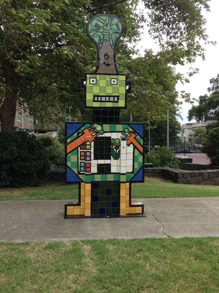 Can't turn the corner in #Fitzroy #Melbourne without bumping into some #streetart, #Graffiti or a #Hotel or #Pub. But this tile #robot is pretty sweet too!