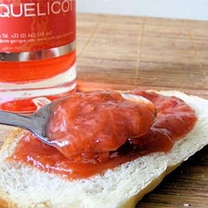 Confiture fraise, rhubarbe, coquelicot, gingembre