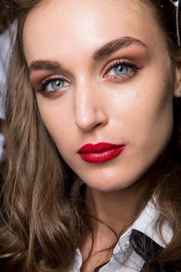 Тенденции в макияже весна-лето 2017. Коричневые тени
