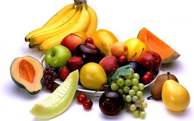 Dieta bogata w owoce i warzywa może pomóc w ochronie przed wieloma nowotworami. Ludzie, którzy jedzą, co najmniej cztery porcje owoców dziennie mają 50 procent niższe ryzyko zachorowania na raka niż ci, którzy zjadają nie więcej niż dwie takie porcje. Siedem poniższych owoców jest szczególnie skutecznych.