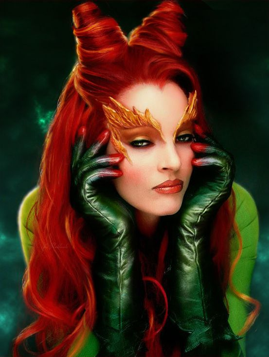 Poison Ivy had it going on in Emerald  (Uma Thurman) #redheads