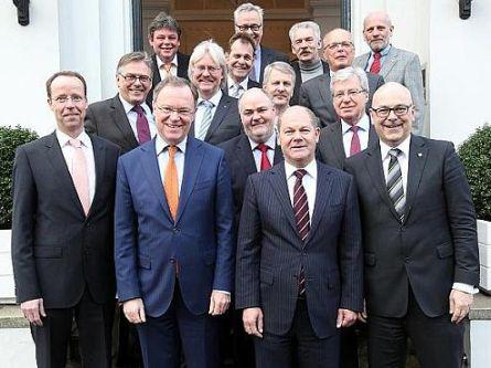 Norddeutsche Regierungschefs treffen Spitzen der Gewerkschaften - http://k.ht/4fn