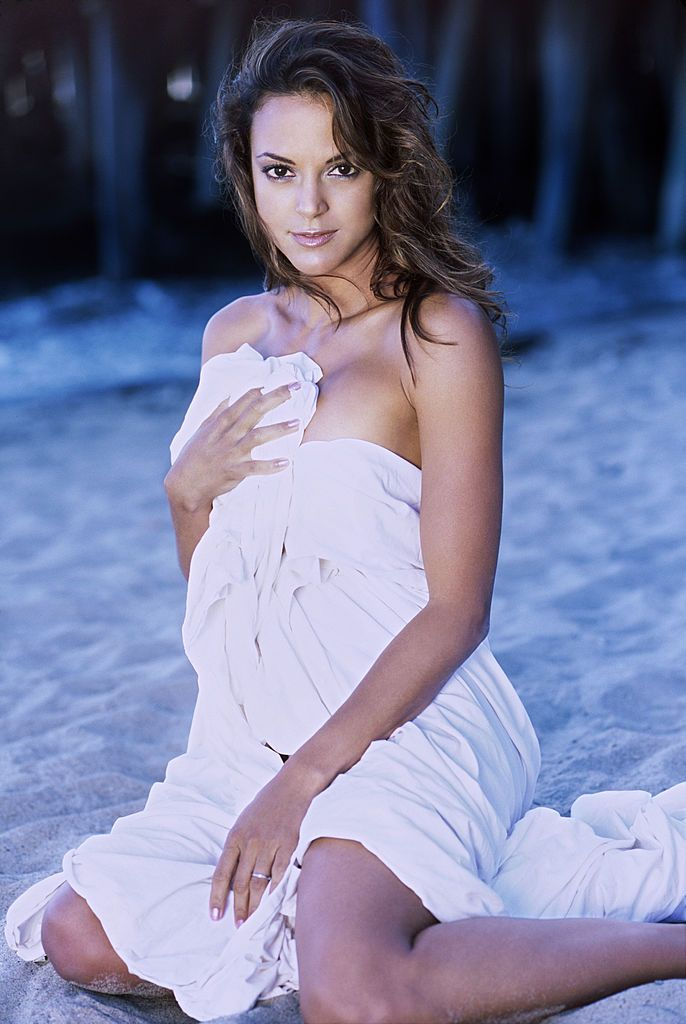 Eva La Rue | Eva larue, Photoshoot, Hot actresses