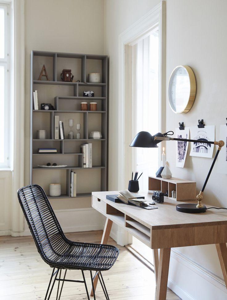 Reol med 14 rum i træ grå Hübsch i høj kvalitet med unikt design. 1-3 dages leveringstid. 14 dages fuld returret. På lager. Fri fragt ved køb over 499,-