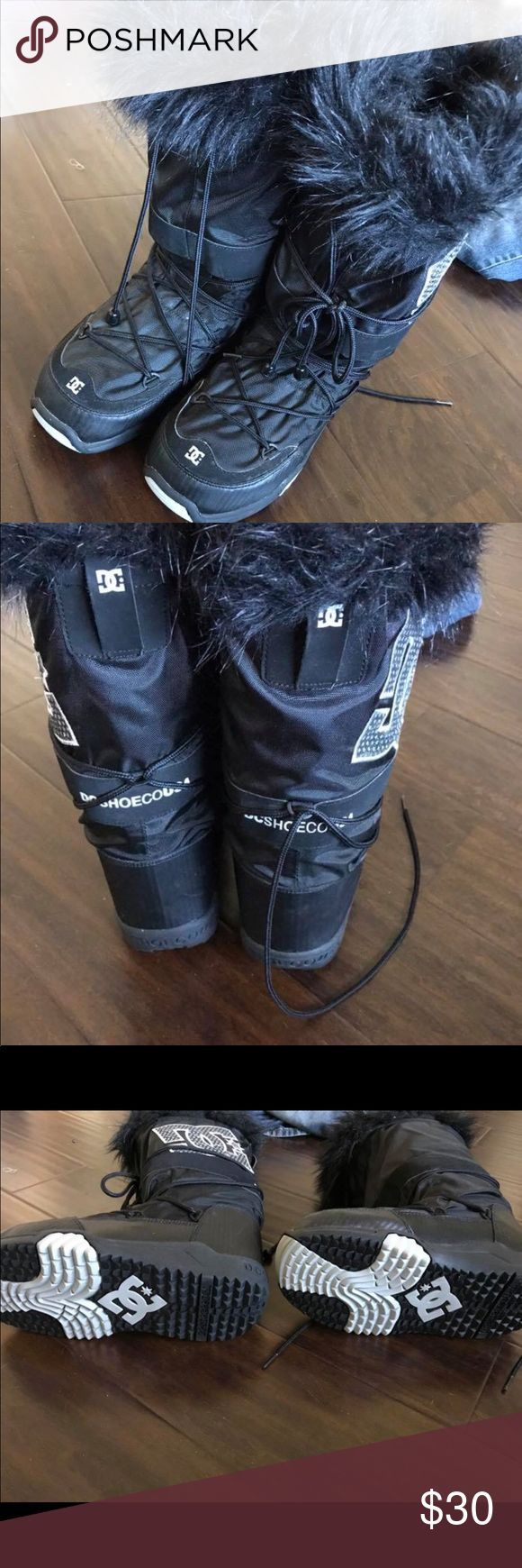 DC Snow boots Used a handful of times. Size L (8-9.5) DC Shoes Winter & Rain Boots