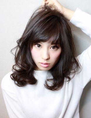 黒髪・暗髪パーマミディアム(HI-21) | ヘアカタログ・髪型・ヘアスタイル|AFLOAT(アフロート)表参道・銀座・名古屋の美容室・美容院