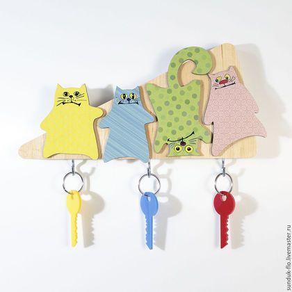 """Прихожая ручной работы. Ярмарка Мастеров - ручная работа. Купить Настенная ключница """"Маленькие разноцветные коты"""". Handmade. Комбинированный, кот"""