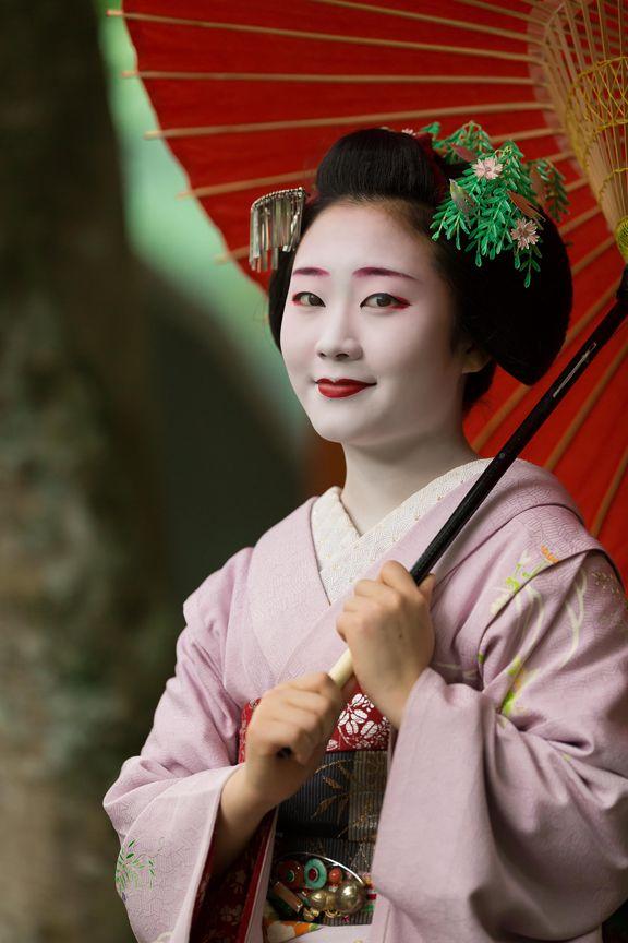 japanese seasonal tradition held - 500×750