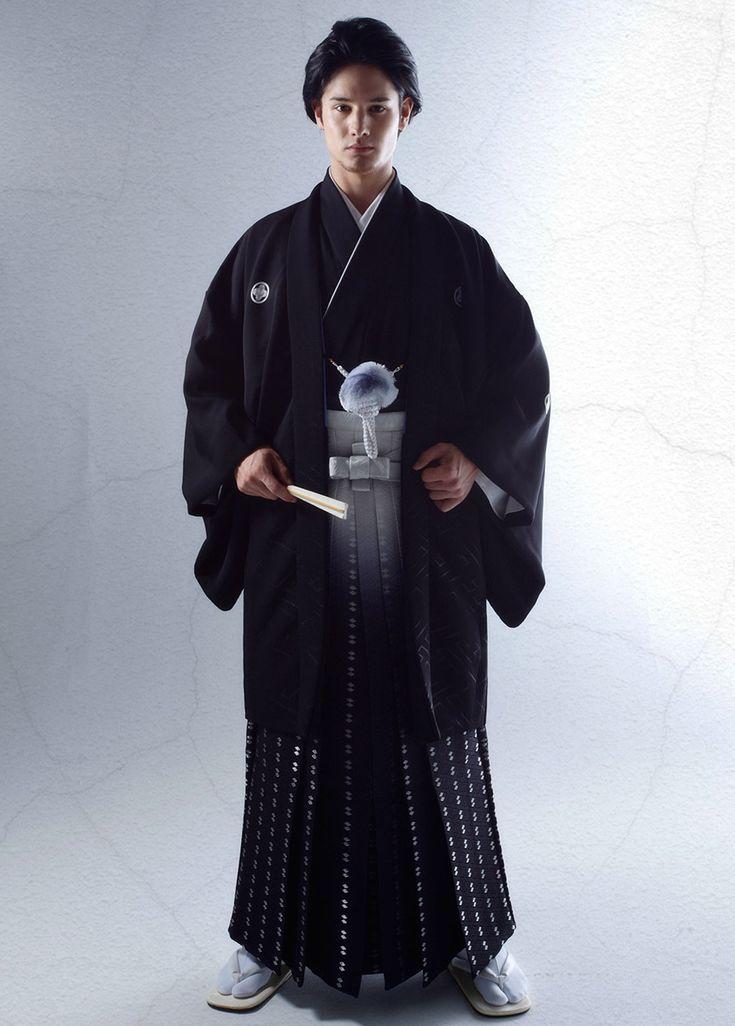 Japanese wedding 和装 | 桂由美フランチャイズ ブライダルハウス | 黒紋付袴 men's