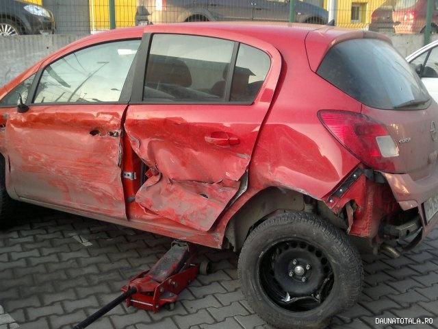 Opel Corsa avariat de vanzare