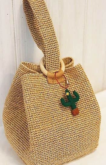 The Spectacular Crochet Bag Fashions Of The Ingenious Housewives Made in July 2019. Web page 50