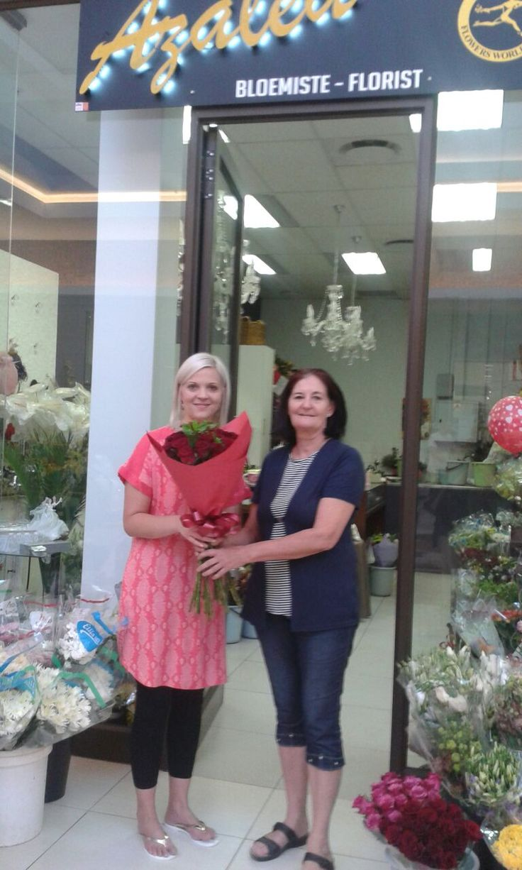 The Valentine's Day Competition 2015 winners are Monique & Lionel Pienaar. Monique collecting her beautifull roses with Marita in the picture.