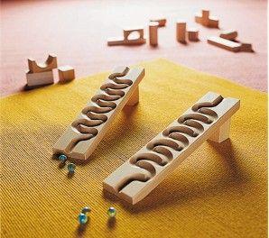 http://www.jugarijugar.com/796-2694-thickbox/circuito-serpentina-para-el-tobogan-de-canicas.jpg                                                                                                                                                     Más