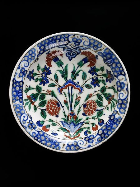 Iznik plate, 16th C. Turkey, Victoria and Albert Museum, London