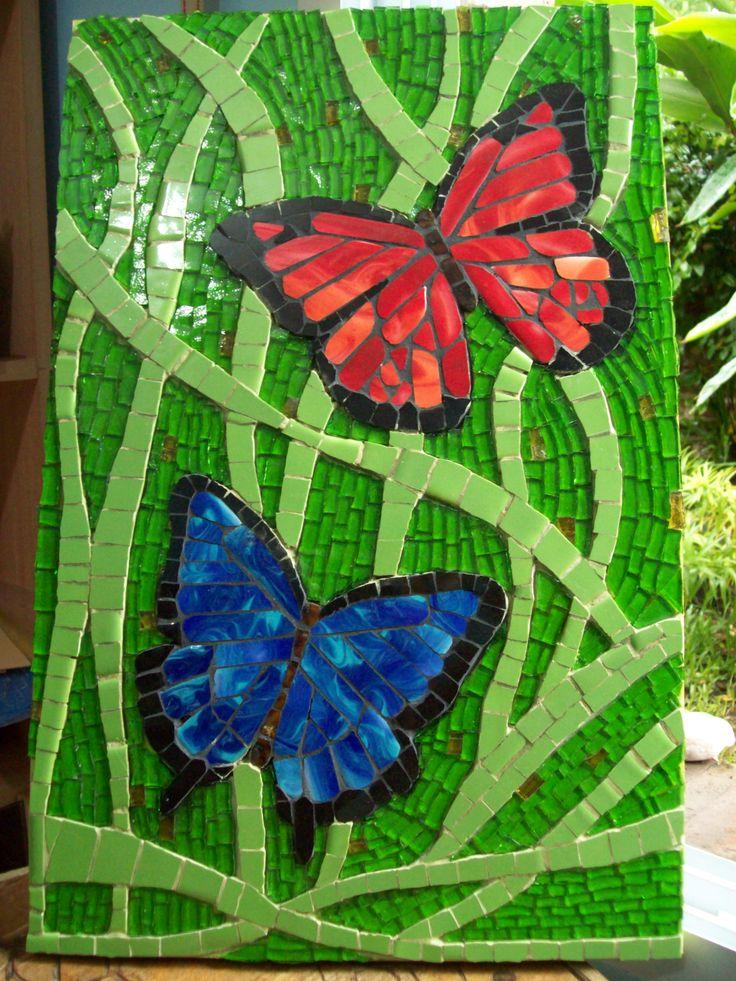 cuadro realizado con azulejos y vidrio