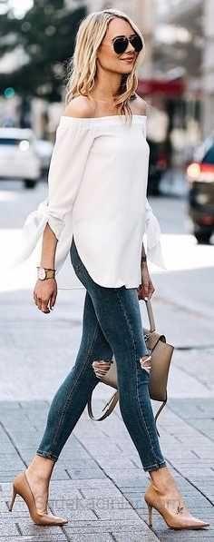 2019 Daily Combs Dunkelblaue Jeans Zerrissene Hose Beige trägerlose Bluse