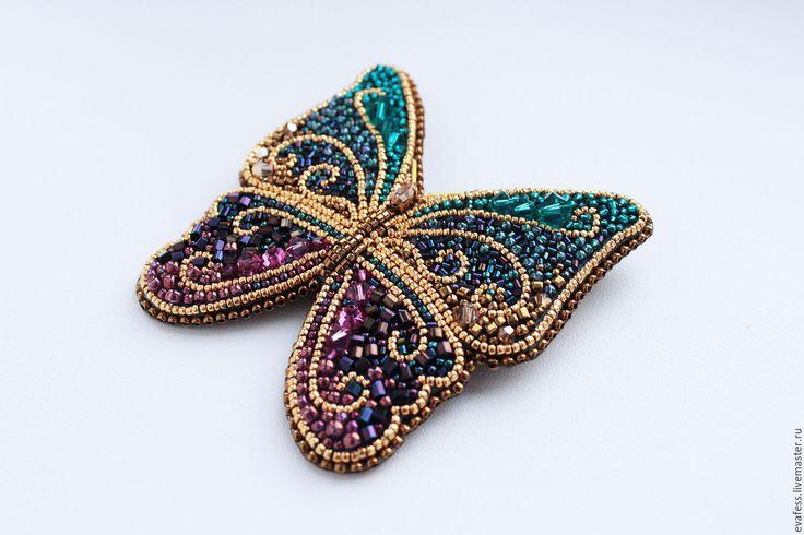 """Купить Брошь """"Бабочка. Летняя фантазия"""" - темно-фиолетовый, фиолетовый, голубой, изумрудный, золотой"""