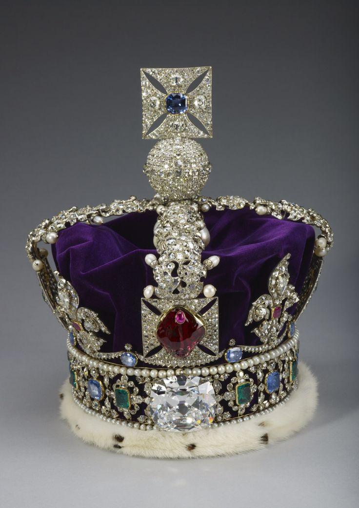 Queen Elizabeth II Crown Jewells