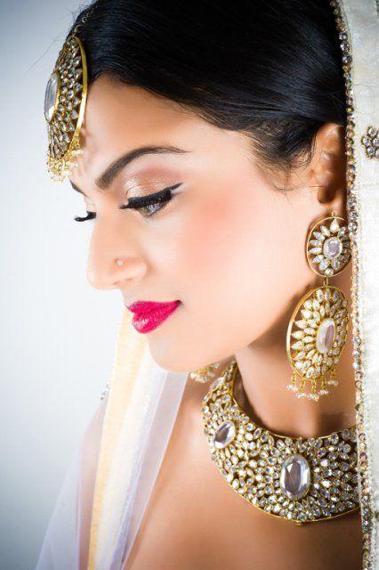 Preséntese en elegancia con joyería india Graceful - La vida del sur de Asia