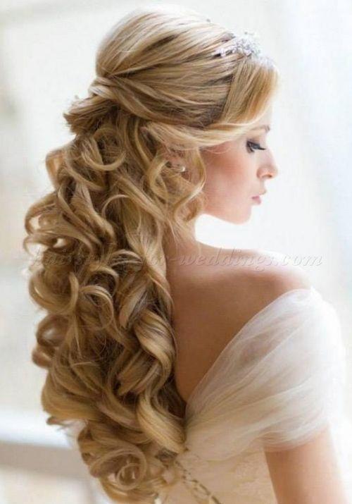 Wedding Hair Half Up Half Down With Veil And Tiara Hairstyle Haircut Hairideas Long Hair Wedding Styles Hair Styles Curly Wedding Hair