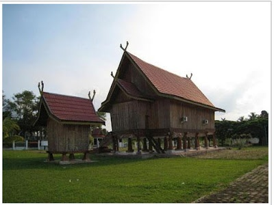 Province Jambi traditional house - Rumah Panjang