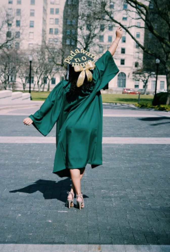 Star Wars inspired graduation cap IG: @itsjustshamiraaa