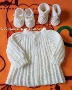 Olá! Este casaquinho,sem costuras, teci para tamanhos de 3 a 5 meses se for menino ou até 6 meses se for menina. O tipo de lã neste ponto,...