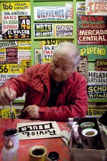 El arte de los letreros de micro. Artesanos en extinción.