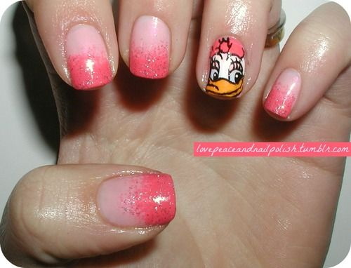 Daisy Duck Accent Nails