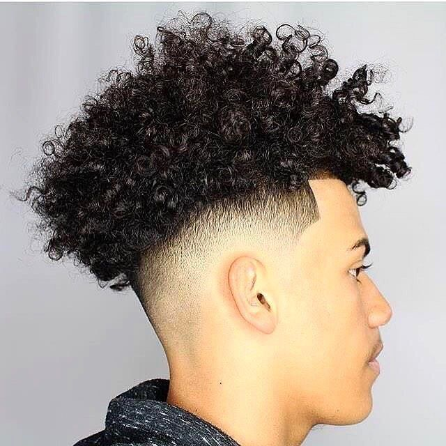 Baadpost Baadpost Frr Tu Veux Une Pub Share The Page Commente And Tag Your Friends Mixed Curly Hair Curly Hair Styles Curly Hair Men