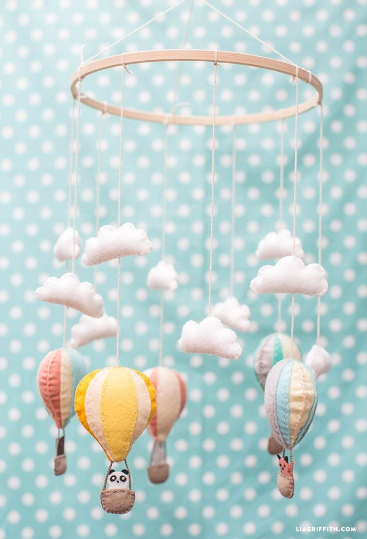 #babymobile #nursery #feltcraft #diymobile www.LiaGriffith.com: