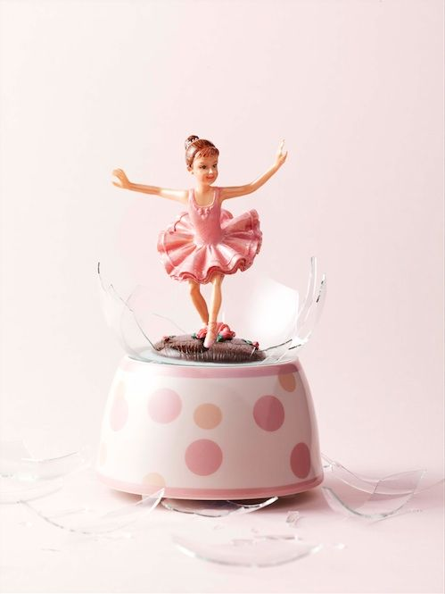 Human interest in JAN Magazine Photography by Frank Brandwijk I 'Pink Broken Ballerina'