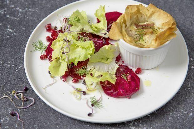 Forellen-Törtli mit Randen-Granatapfel-Salat