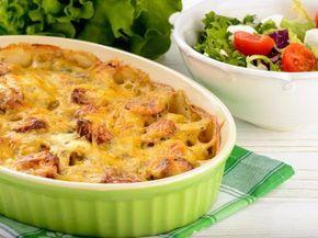 cervelas, poivre, thym, crême fraîche, lait, pomme de terre, tomate, oignon, sel, gruyère râpé
