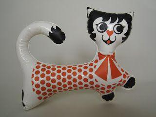 nafukovací kočka / kočička Líza / Libuše Niklová / 1967